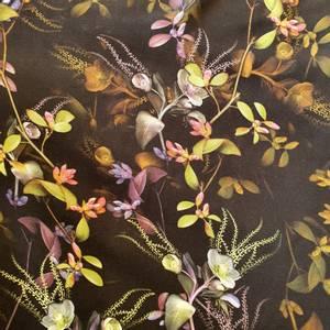 Bilde av Viskose blomster på sort